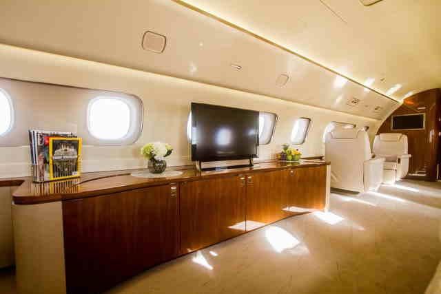 бизнес джет Embraer Lineage 1000 в России