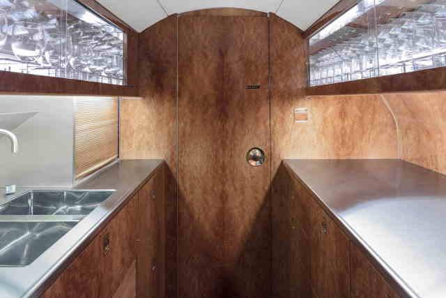 интерьер салона самолета Gulfstream G100