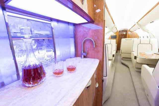интерьер салона самолета Gulfstream G280