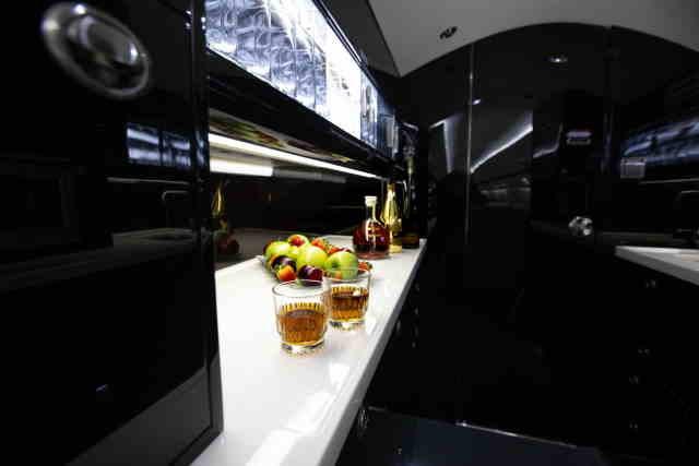 интерьер салона самолета Gulfstream G400