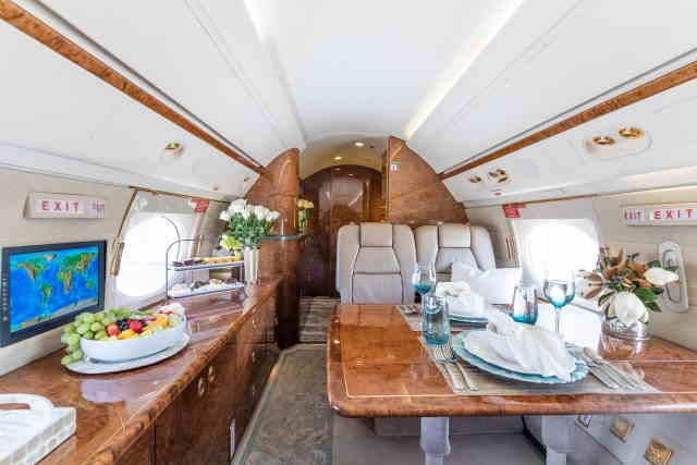 интерьер салона самолета Gulfstream GV
