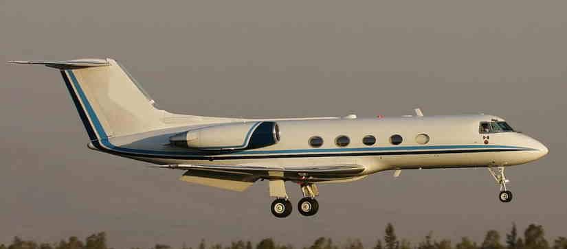 самолет Gulfstream II