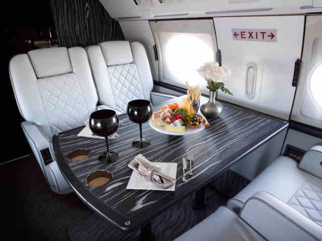 интерьер салона самолета Gulfstream IVSP