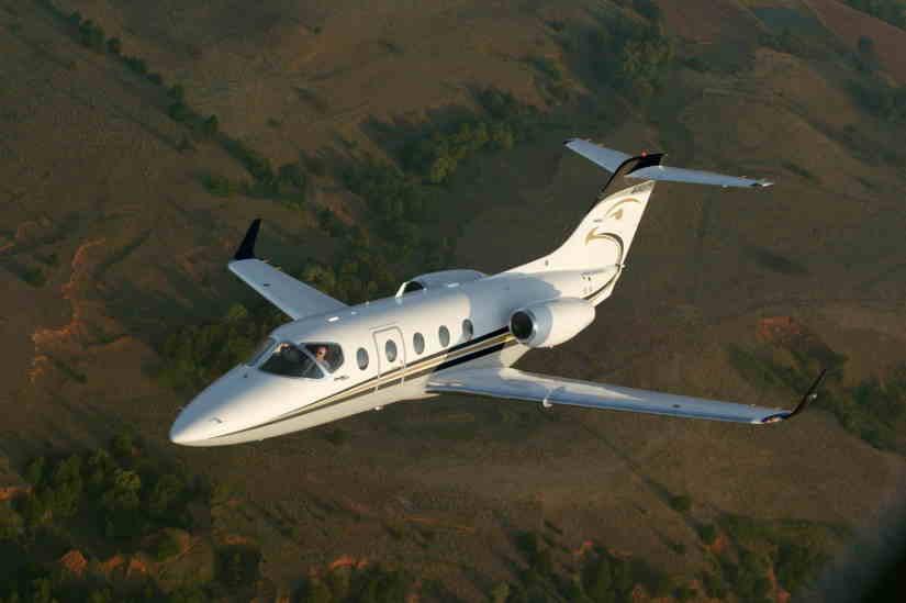 самолет Hawker 400XP