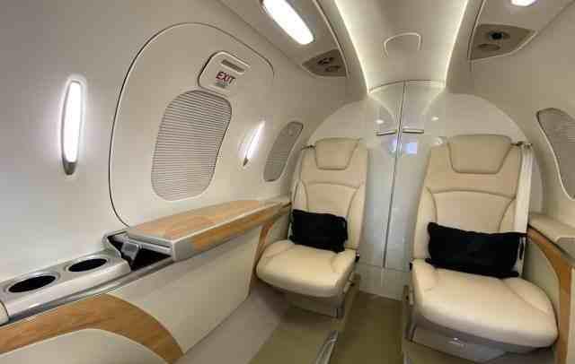 интерьер салона самолета HondaJet HA-420