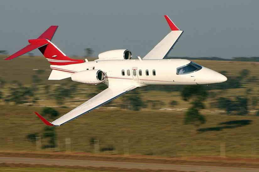самолет Learjet 40 XR