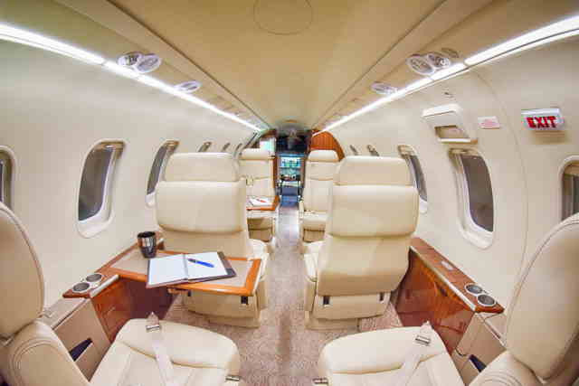 бизнес джет Learjet 40 XR в России