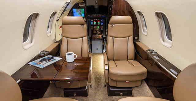 интерьер салона самолета Learjet 45 XR