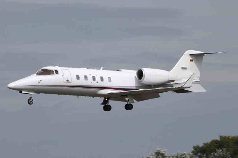 самолет Learjet 60
