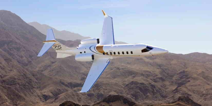 самолет Learjet 75