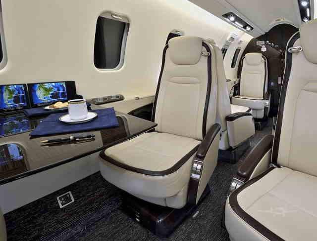 фото частного самолета Learjet 75
