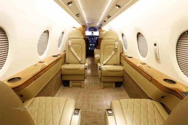 интерьер салона самолета Nextant 400 XT