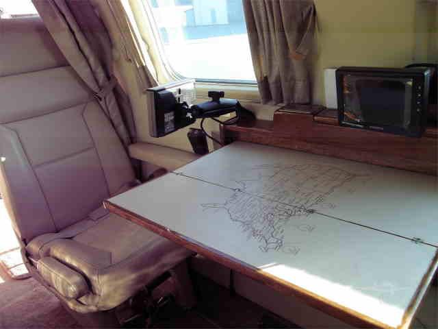 интерьер салона самолета Piper Cheyenne