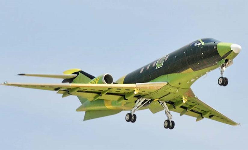 самолет SJ30-2