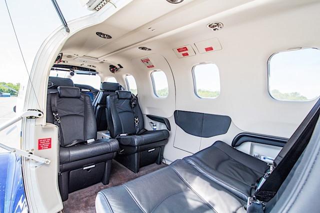 интерьер салона самолета Daher Socata TBM 850