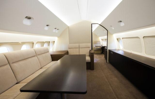 фото частного самолета Sukhoi Business Jet
