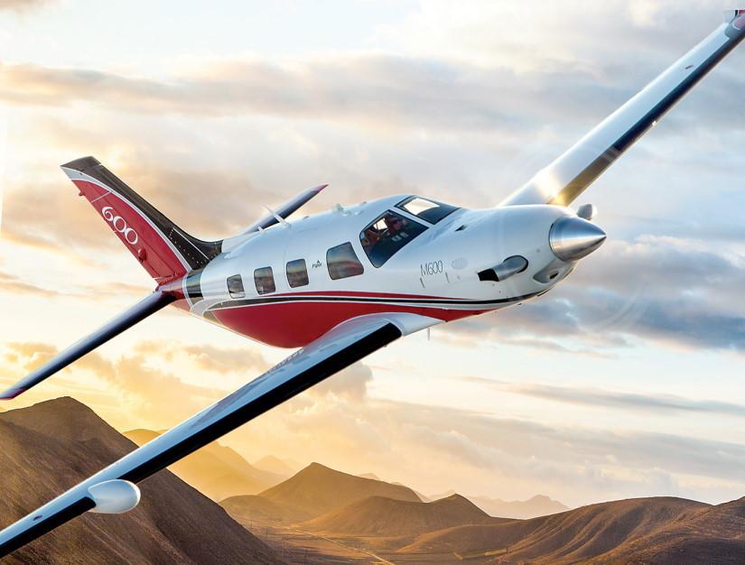самолет Piper М600