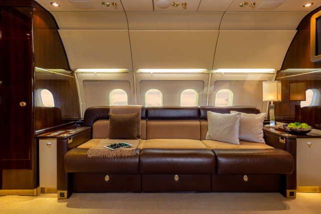 интерьер салона самолета Airbus A318 Elite