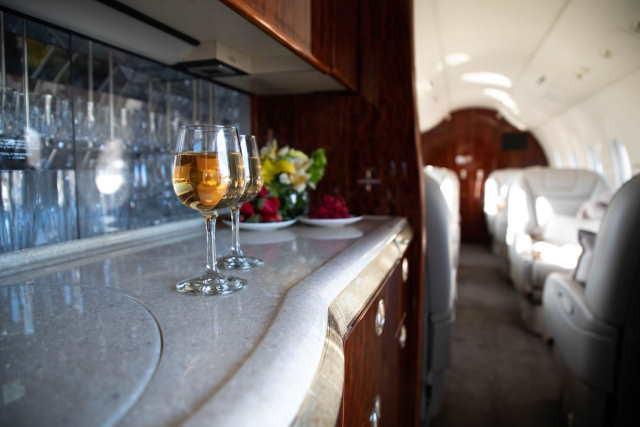 арендовать бизнес джет Beechcraft Hawker 4000