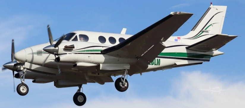 самолет Beechcraft King Air 90