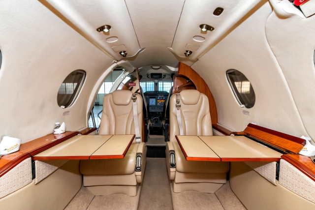интерьер салона самолета Beechcraft Premier I