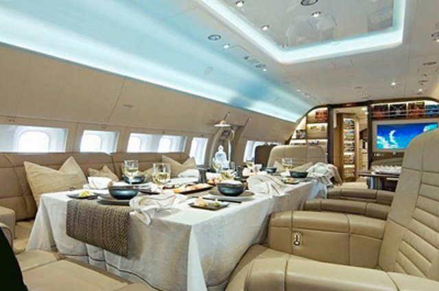 интерьер салона самолета Boeing Business Jet (BBJ)