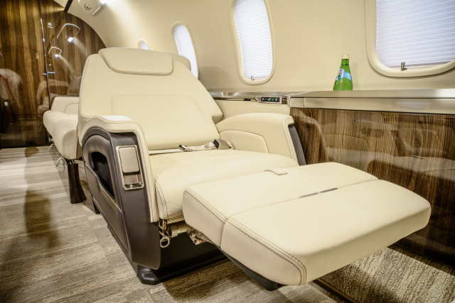 арендовать бизнес джет Bombardier Challenger 350