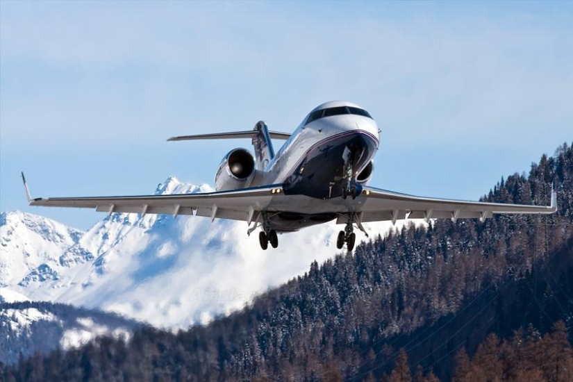 самолет Bombardier Challenger 600