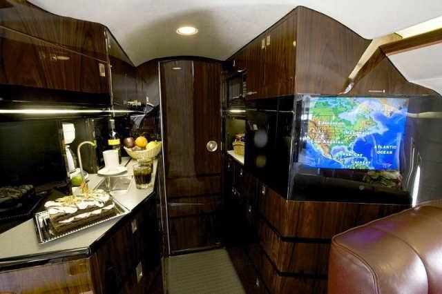 арендовать бизнес джет Bombardier Challenger 601