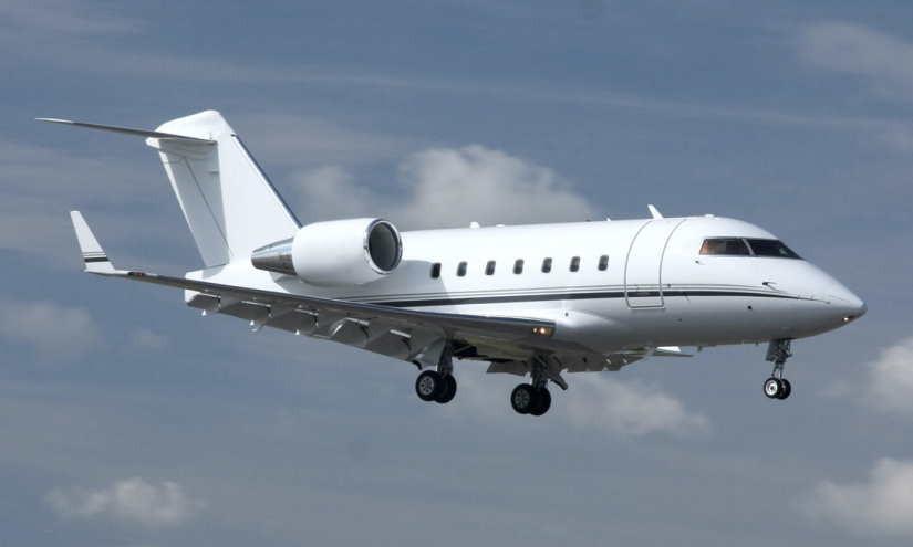 самолет Bombardier Challenger 604