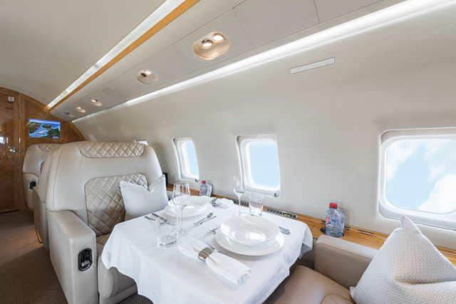 перелет самолетом Bombardier Challenger 604