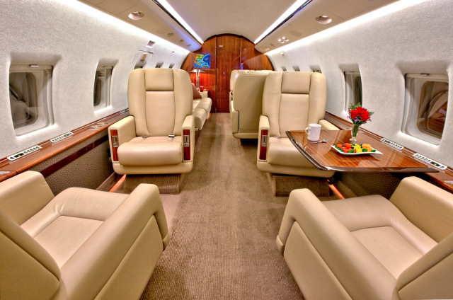 арендовать бизнес джет Bombardier Challenger 604