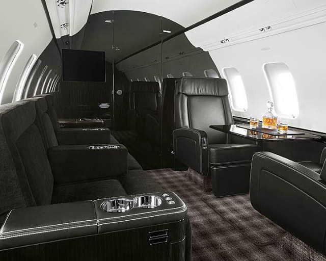 интерьер салона самолета Bombardier Challenger 605