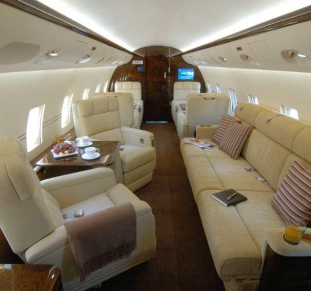 фото частного самолета Bombardier Challenger 800
