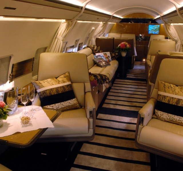 бизнес джет Bombardier Challenger 800 в России