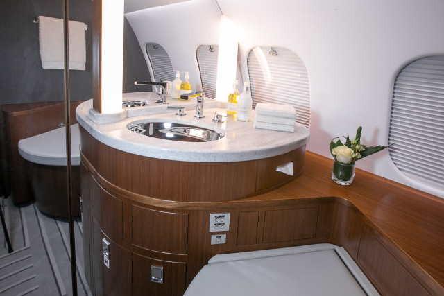 интерьер салона самолета Bombardier Global 6000