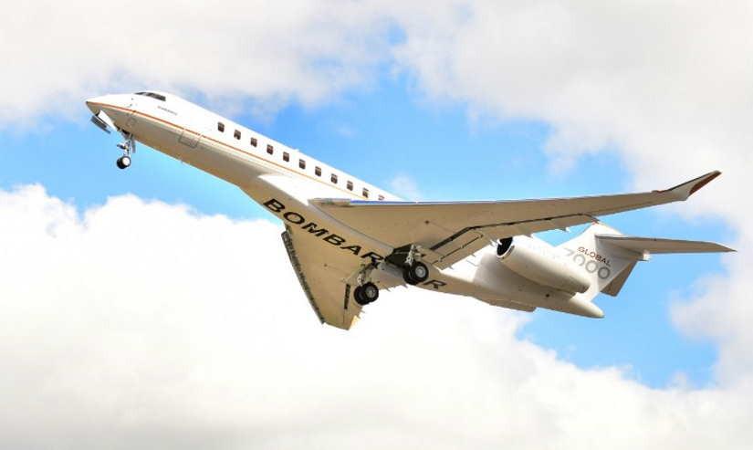 самолет Bombardier Global 7000
