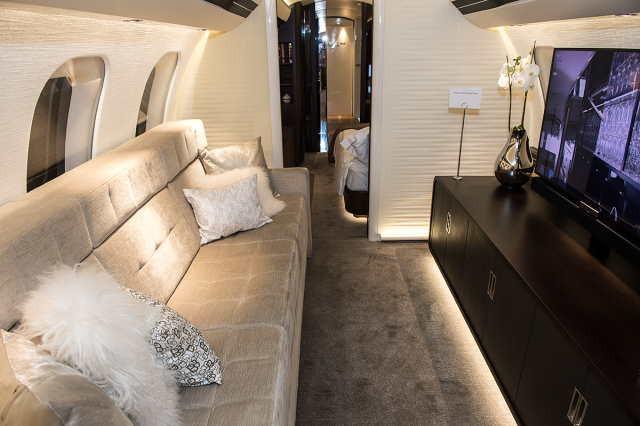 фото частного самолета Bombardier Global 7000