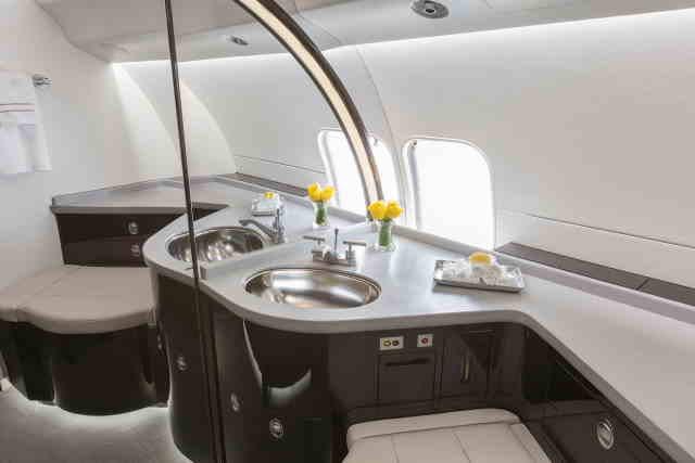 фото частного самолета Bombardier Global Express