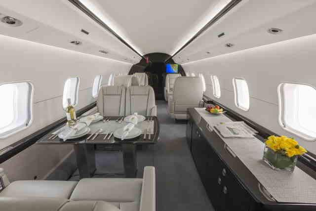 интерьер салона самолета Bombardier Global Express