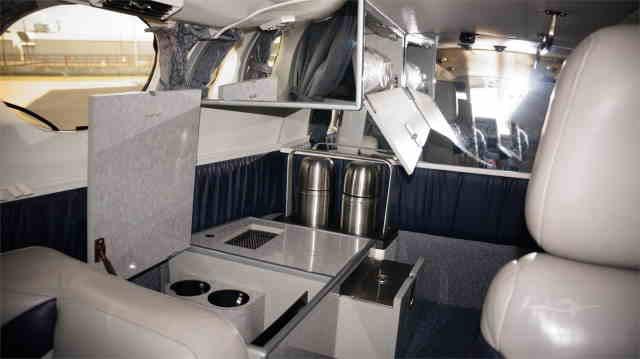 интерьер салона самолета Cessna 421 Golden Eagle
