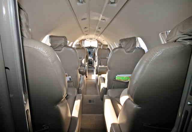 интерьер салона самолета Cessna Citation Bravo