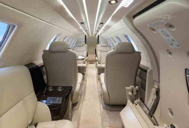 интерьер салона самолета Cessna Citation CJ4