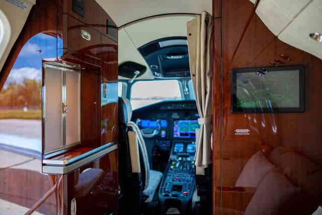 интерьер салона самолета Cessna Citation Latitude