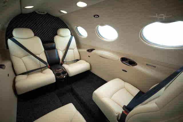 интерьер салона самолета Cessna Citation Mustang