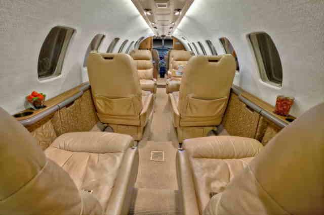 интерьер салона самолета Cessna Citation Ultra