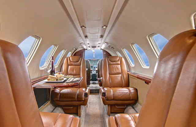 интерьер салона самолета Cessna Citation V